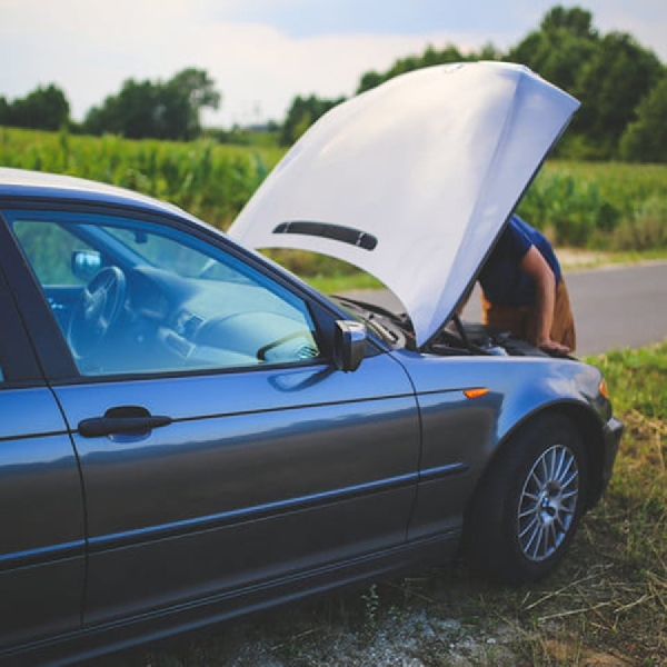 Kondisi Aki Mobil Anda Drop, Begini Cara Mengatasinya