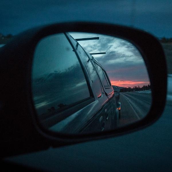 Cara Mengatur Spion Luar dan Dalam Mobil