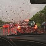 Mulai Musim Hujan, Ini Tips bagi Pengemudi Saat Berkendara