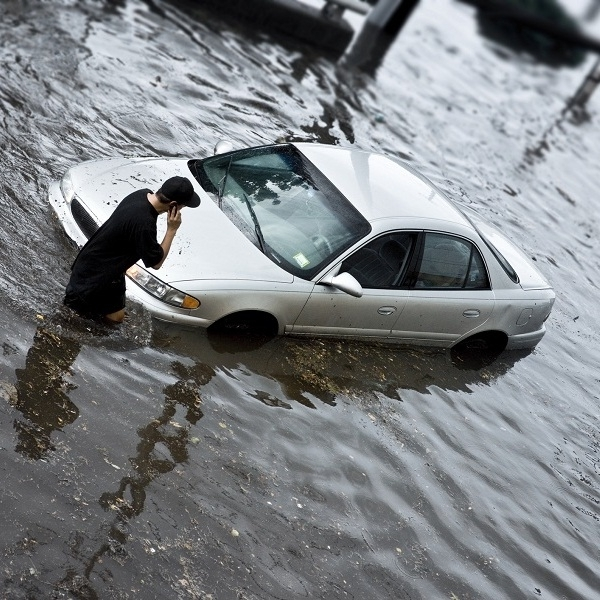 11 Penanganan Mobil Pasca Banjir