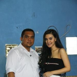 Donny (kiri) dan Putri Lanna (kanan)