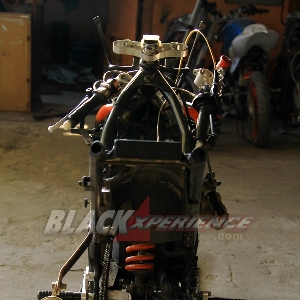 Tampak belakang rangka Kawasaki Ninja RR150 Racing