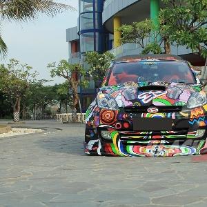 Tampak depan Daihatsu Sirion Extreme Red From Borneo
