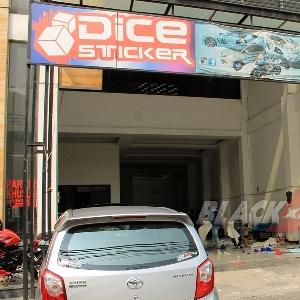 Tampak depan store Dice Sticker