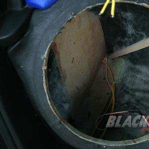 Kabel-kabel sudah dimasukkan dalam boks, sudah siap untuk disambung