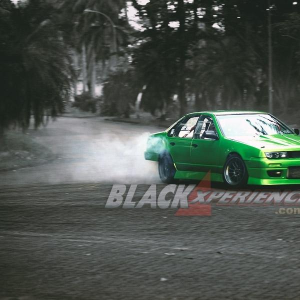 Modifikasi Nissan Cefiro : The Green Ruthless