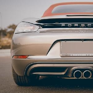 Porsche 718 Boxster S - Less Means More