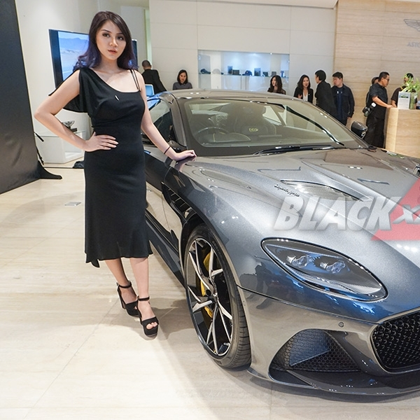 Aston Martin DBS Superleggera-The Ultimate Luxury Super GT