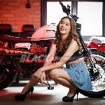Nasya Xaverie : Suka Sportscar Merah Dengan Modif Velg Racing