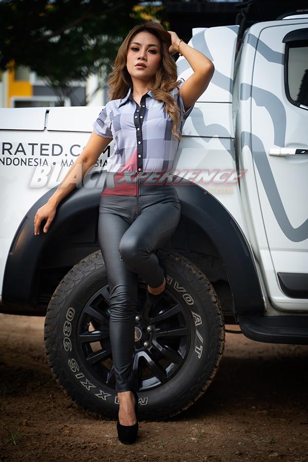 Hani Putri : Idamkan Sedan Porsche, Gegara Sering Kopdar