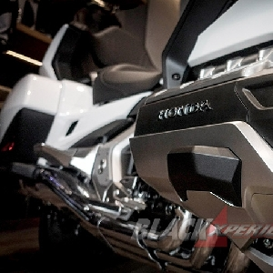 New Honda Goldwing 1800 - Tolak Ukur Baru