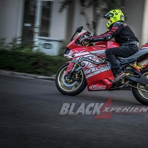 Modifikasi Yamaha R25: Ducati Panigale Dilukis Batik Samarinda