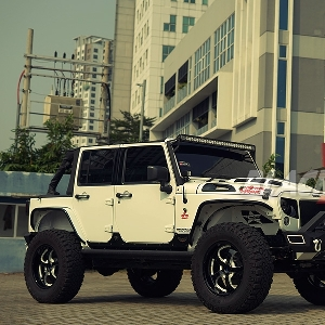 Modifkasi Jeep Wrangler: Raptor Armour