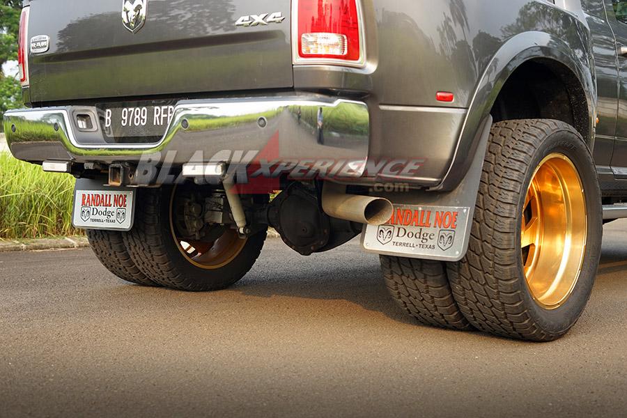 Modifikasi Dogde Ram 4x4 Longhorn: Iam The Big Bos