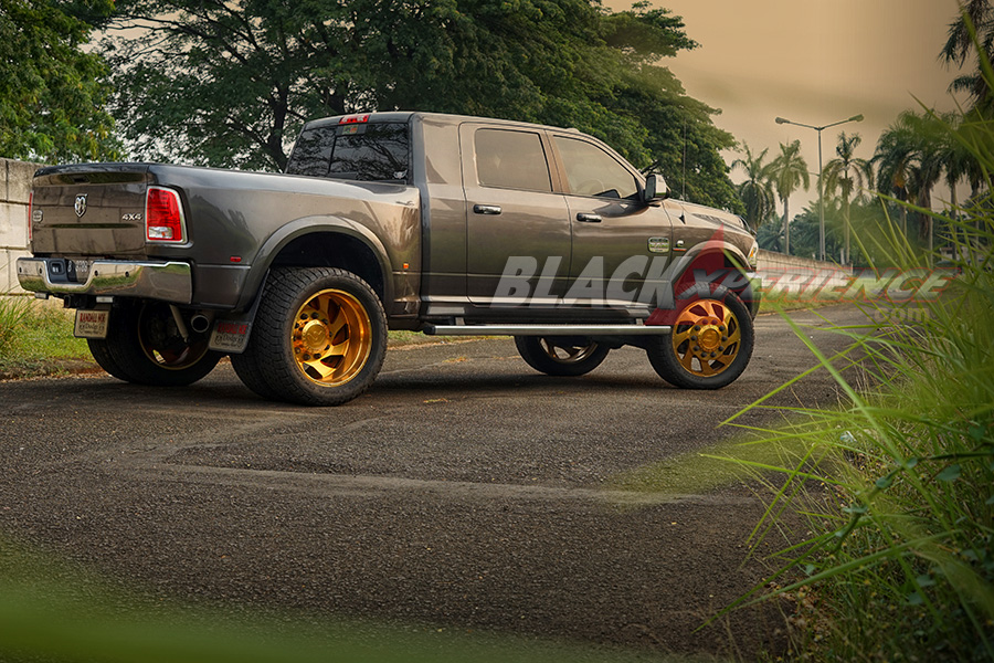 Modifikasi Dogde Ram 4x4 Longhorn: Iam The Big Bos