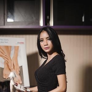 Yossie Selena - Modeling dan Presenter Jadi Impiannya