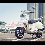 Vespa GTS Super 300, Kaya Fitur Premium
