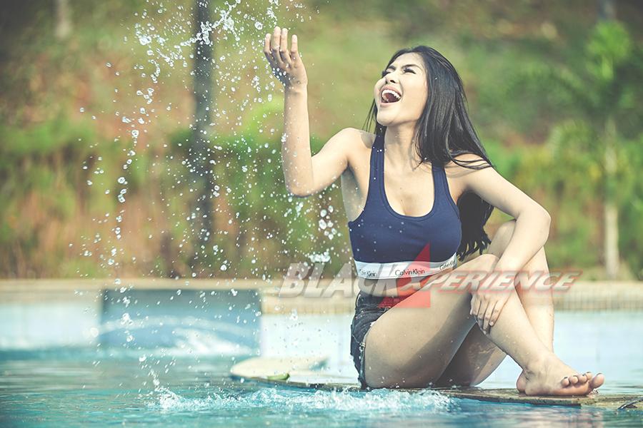 Sita Anggia - Sexy Offroader -
