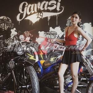 Shinta R Khyuliang : Dunia Modeling dan Klub Motor Menjadi Satu Irisan