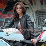 Putri Indiani, Lady Bikers yang Gandrungi Sportscar