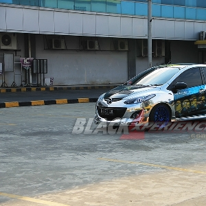 Jalsion test ride Mazda2 street racing
