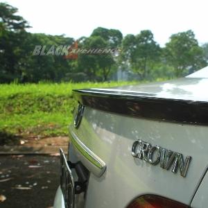Modifikasi Toyota Crown Too Damn Low