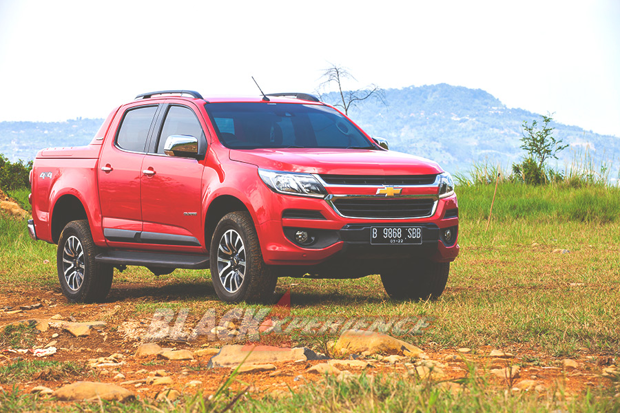 High Country Truck >> All New Chevrolet Colorado High Country 4x4 At A Pickup