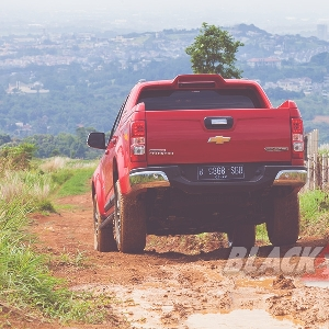 All New Chevrolet Colorado High Country 4x4 AT - A Pickup Like No Other