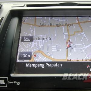 Head Unit dengan Navigation