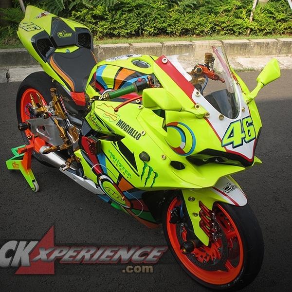 Kawasaki Ninja 250R Berbaju Ducati Panigale