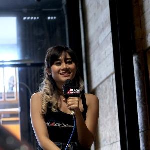 Aurelia Mei saat syuting