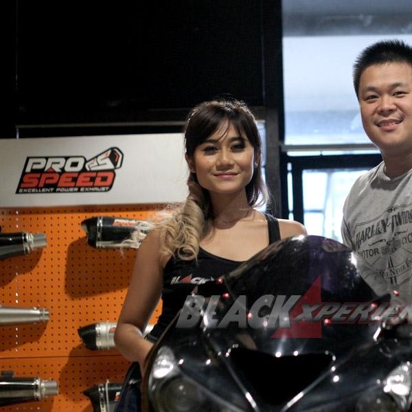 Modifikasi Harley-Davidson Cross Bones di Minggu Kedua