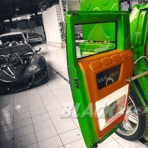 Pintu Belakang Gunakan Motorized