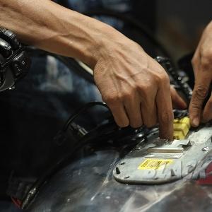 Memasang socket speedometer