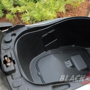 Bagasi di Bawah Jok Muat 1 Helm