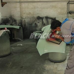 Aktivitas mekanik di ruang pengecatan