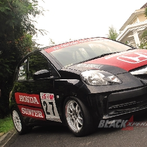 Honda Brio Kental dengan aura balap