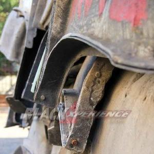 Tumpukan moulding bodikit berbagai mobil