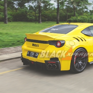 Modif Seksi ala Ferrari F 12 tdf  Bertenaga Boxer 400Hp