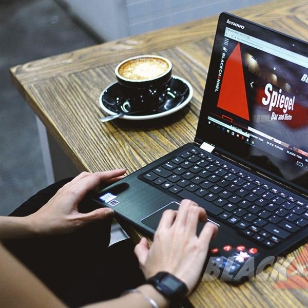 Hiburan dan Kerja Seru di Notebook Multimode LenovoYoga700