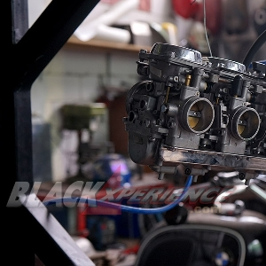Jajaran karburator siap dipasang