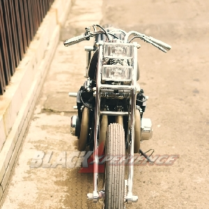 Modifikasi Honda CB650 The Luxurious Chopper Drag
