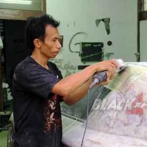 Aktivitas mekanik mengerjakan Mazda RX8