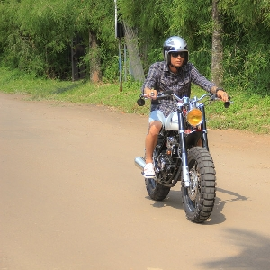 Test ride scrambler tracker