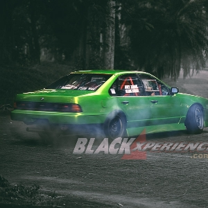 Modifikasi Nissan Cefiro : The Green Ruthless