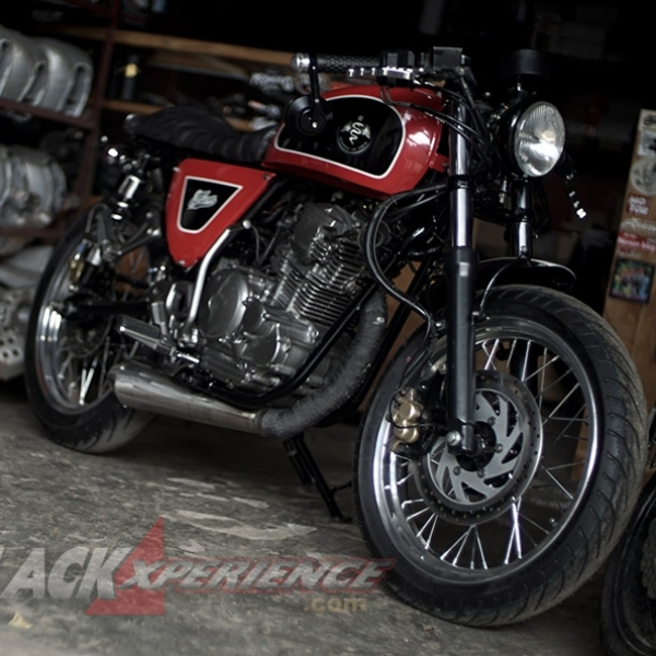 Modifikasi Retro Cafe Racer Yamaha Scorpio
