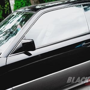 Side-skrit-AMG-generasi-pertama.jpg