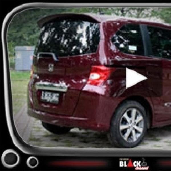 New Honda Freed, Si Mewah Dengan Fitur Otomatis