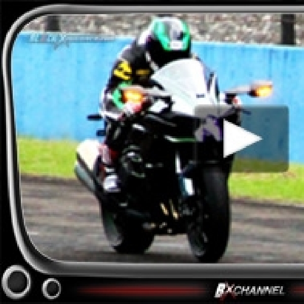 Review Kawasaki Ninja H2 Japanese Hyperbike