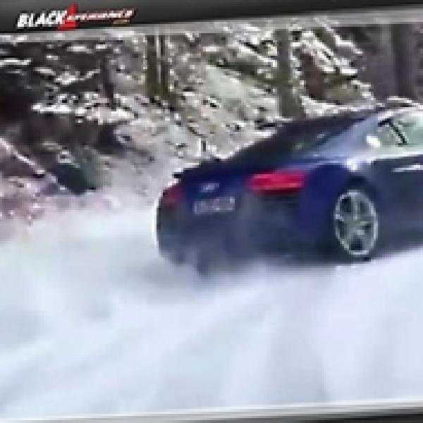 Audi R8 Lakukan Aksi Drift di Salju
